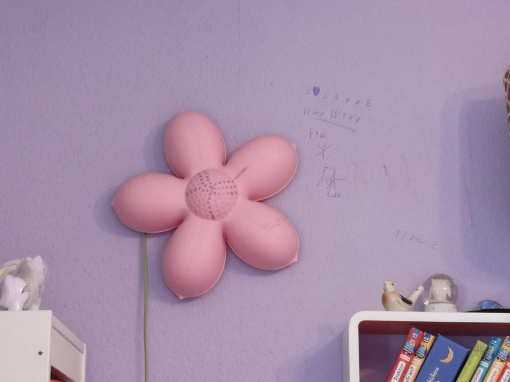 Kunstwerke an der Wand